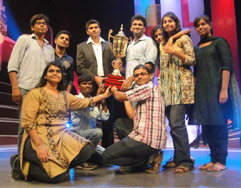 SRMU Students with the Trophy